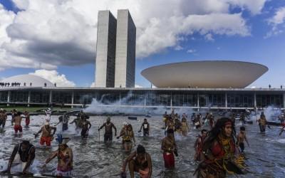 Sonia Guajajara: Até onde vai a falta de autoridade moral do desgoverno?