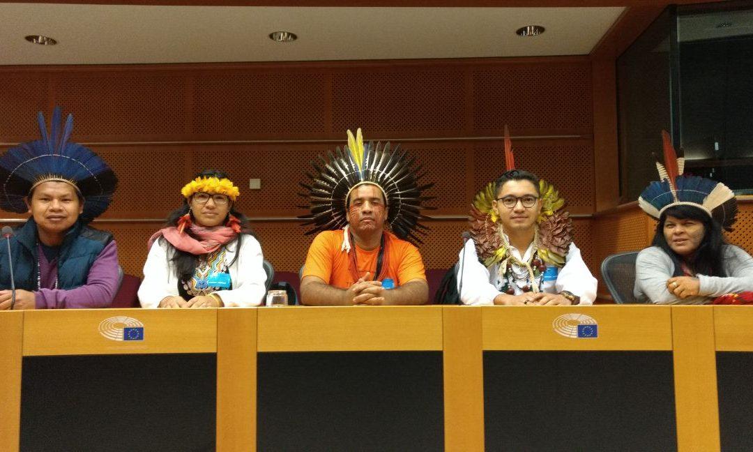 Em Londres, lideranças indígenas do Brasil pedem respeito aos direitos da Mãe Terra