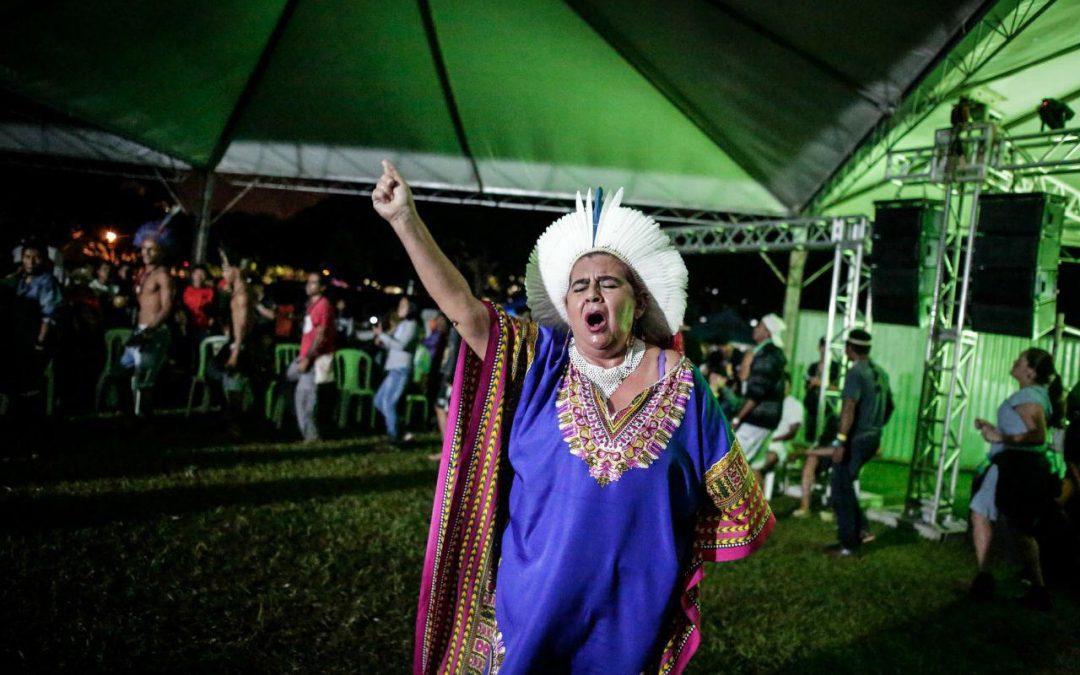 Participação da política e luta pela terra: mulheres indígenas abrem ATL 2018