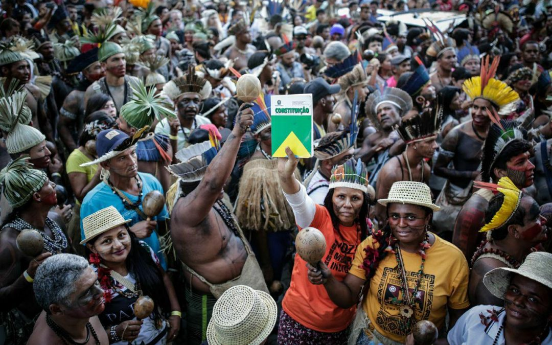 Governo Bolsonaro e aliados no Parlamento promovem divisões e conflitos entre indígenas para massacrar direitos fundamentais