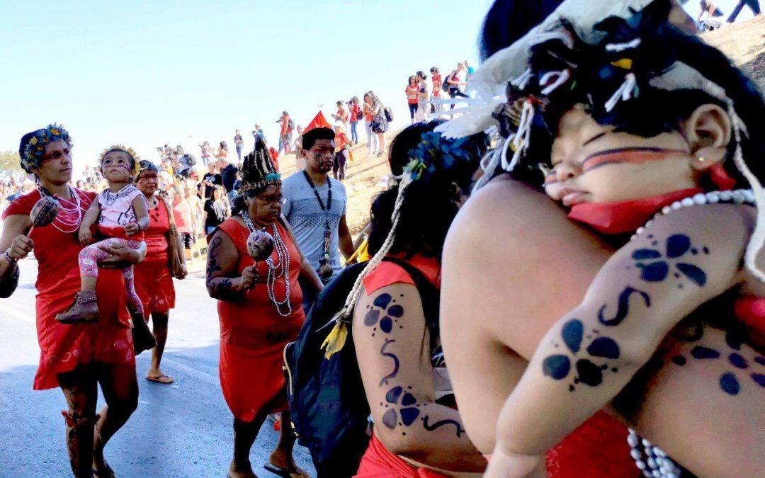 Contrapontos: mulheres indígenas em luta
