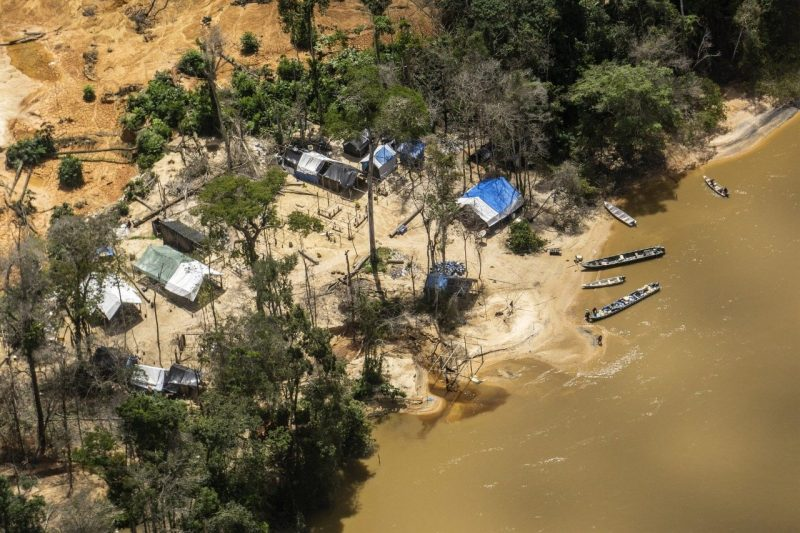 Nota pública de repúdio contra o projeto do governo Bolsonaro de regulamentar a mineração, empreendimentos energéticos e o agronegócio nas terras indígenas