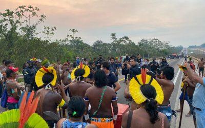Funai convoca reunião com Kayapó e comparece de mãos vazias; protesto continua, mas BR-163 está liberada