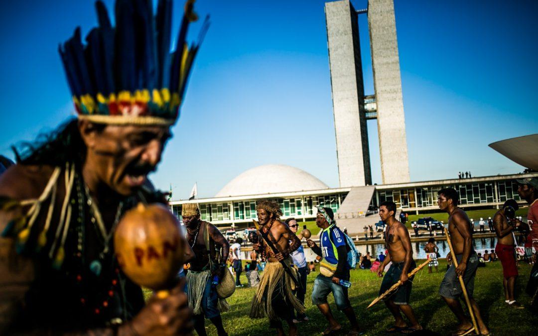 """""""Quantos indígenas precisam morrer para o Governo implementar um plano emergencial?"""""""