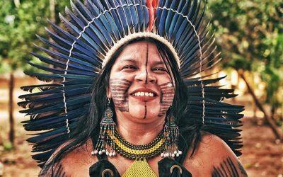 Governo Federal tenta calar Sonia Guajajara e a Articulação dos Povos Indígenas do Brasil