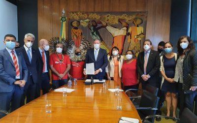 Lideranças reúnem-se com presidente da Câmara e pedem arquivamento de projetos anti-indígenas