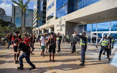 CNDH repudia repressão contra manifestação indígena em frente a sede da FUNAI