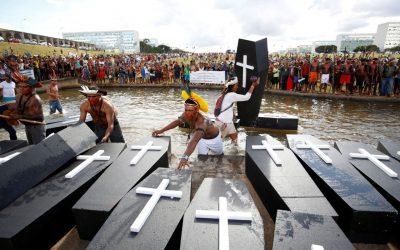 INÉDITO: APIB denuncia Bolsonaro, em Haia, por genocídio indígena
