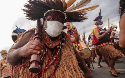 Racismo Institucional: DF tenta criminalizar uso de materiais tradicionais indígenas, mas Justiça extingue processo