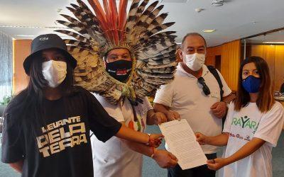 Lideranças indígenas protocolam carta ao ministro do STF Alexandre de Moraes
