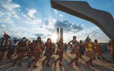 Nossa voz é a resistência: 4 mil mulheres indígenas ocupam Brasília no dia 7 de Setembro